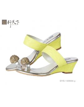 【富樂小舖】德行天下 時尚休閒涼鞋-黃 DYS-140604-y